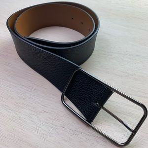 Banana Republic black leather belt   medium